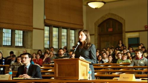 Sinh viên Luật cần đề ra định hướng tương lai cho mình