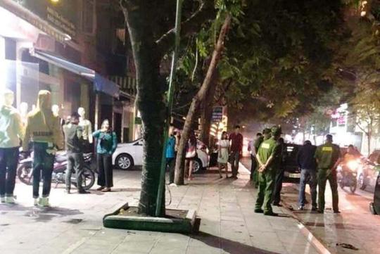 Khu vực trước Bệnh viện Đa khoa TP Thanh Hóa sau thời điểm xảy ra vụ hỗn chiến, đánh chém nhau loạn xạ trong bệnh viện