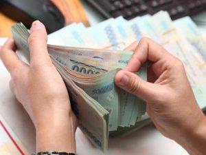 Cách nào lấy lại tiền 'chạy việc' khi phát hiện đã bị lừa?