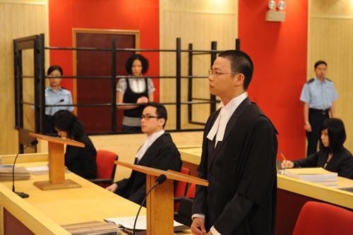 Không cho phép viên chức hành nghề luật sư