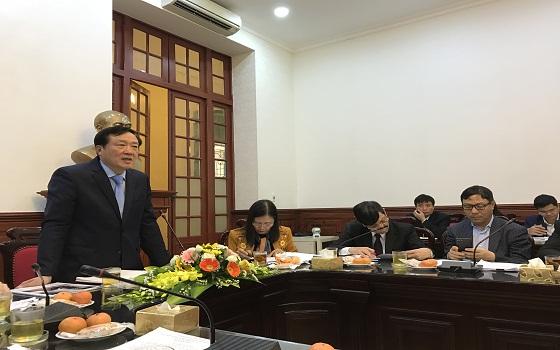 Đồng chí Nguyễn Hòa Bình, Bí thư Trung ương Đảng, Bí thư Ban cán sự Đảng, Chánh án Tòa án nhân dân tối cao chủ trì cuộc họp ngày 08/2