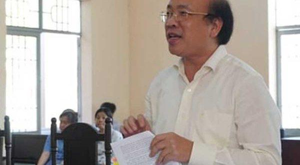 Bộ trưởng Tư pháp thắng người khởi kiện